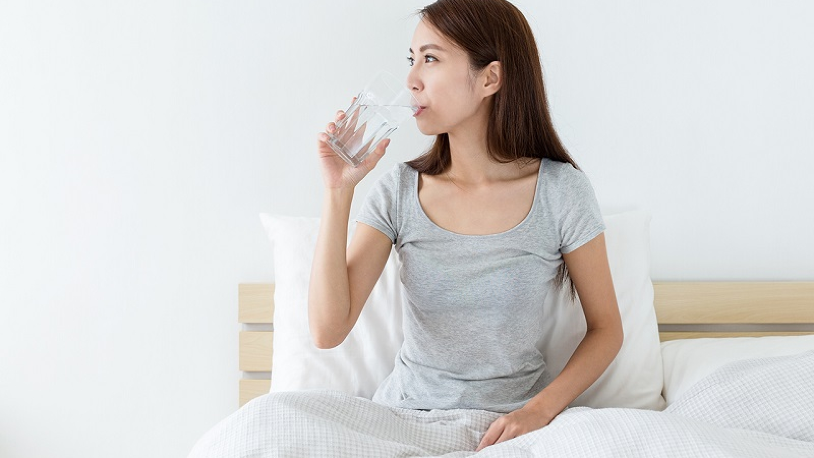 Drinking water before bed is good for your health